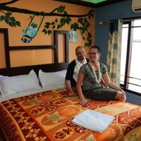 Deluxe A/C Double Room In Sharing Houseboat
