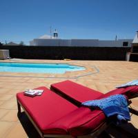Hotel Pictures: Holiday Villa Campesina, San Bartolomé