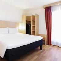 Hotel Pictures: Ibis Sofia Airport Hotel - Park & Fly, Sofia
