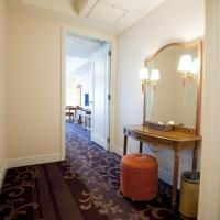 Luxury Extra Large King Room - Non-Smoking