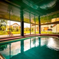 Hotel Pictures: La Tour D Aligre, Champrond-en-Gâtine