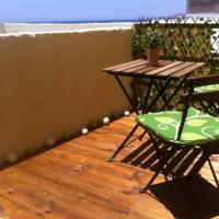 Hotel Pictures: Monolocale Verde, Los Abrigos