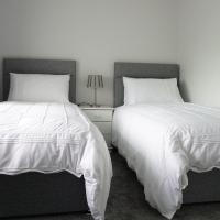 Twin or Double Room with Shared Bathroom (#4)