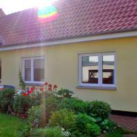 Hotelbilleder: Ferienwohnung in der Rostocker Heide, Blankenhagen