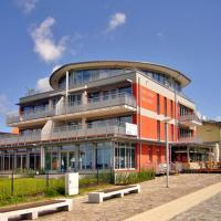Hotel Pictures: Ferienwohnung mit Panoramablick auf Stralsund, Altefähr
