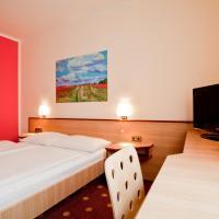 Hotel Pictures: Hotel Die Kleine Sonne, Rostock