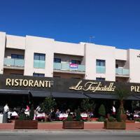 Hotel Pictures: Violeta Uno, El Grao