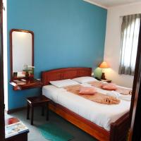 Deluxe Double Room with Mountain View and Balcony