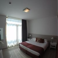 Double or Twin Room with Lateral Lake View