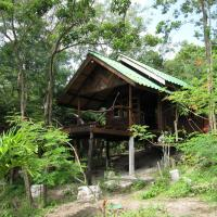 Frangipan Bungalow with Sea and Garden View
