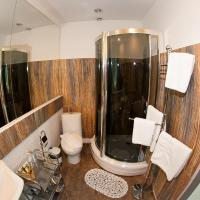 Suite with Spa bath and City View