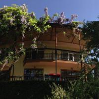 Hotel Pictures: Casanova Inn, Dilijan