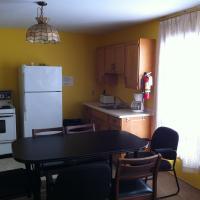 Deluxe Three-Bedroom Lakefront Cottage