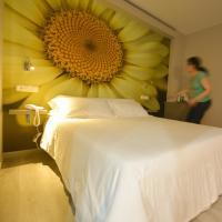 Hotel Pictures: Hotel Jucamar, Cangas de Morrazo
