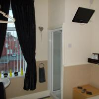 Small Double Room with Part Ensuite