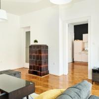 Deluxe Two bedroom Apartment with balcony - Pod zidom