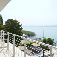Deluxe Double Room with Balcony - Lake View