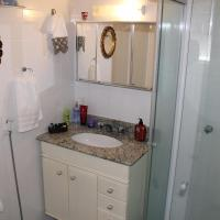 Female Only Single Room with Private External Bathroom