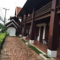 Hotel Pictures: Wooden Charming Boutique Hotel, Luang Prabang