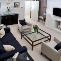 Deluxe Two-Bedroom Apartment with Garden View