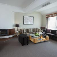 Two-Bedroom Apartment (2-4 Adults)