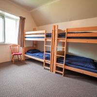 4-Person Private Room
