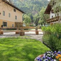 Hotel Pictures: Ferienhof Sturm, Dellach
