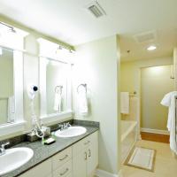 Three-Bedroom Apartment 1-709
