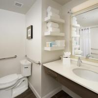 King Room - Hearing/Mobile Access with Roll in Shower/Non-Smoking