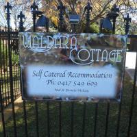 Hotel Pictures: Waldara Cottage, Wangaratta