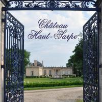 Hotel Pictures: Chateau Haut-Sarpe, Saint-Christophe-des-Bardes