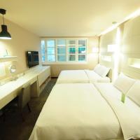Business Quadruple Room