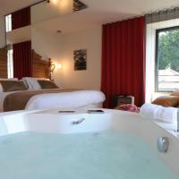 Deluxe Suite with Spa Bath 04