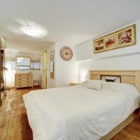 One-Bedroom Apartment - Frug St 25, Apt. 2