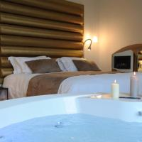 Deluxe Suite with Spa Bath 01
