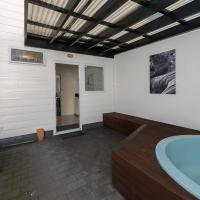 Twin Studio with Hot Tub
