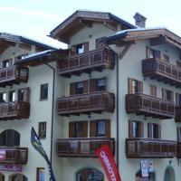 Apartment - Split Level with Mountain View