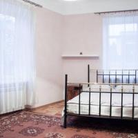 One-Bedroom Apartment - Nasypna Street 1/2