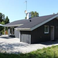 Hotel Pictures: Two-Bedroom Holiday Home Knoldevej 05, Vesterø Havn