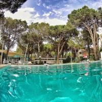 Hotel Pictures: Marea Resort, Golem