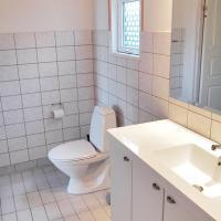Hotel Pictures: Three-Bedroom Holiday Home Kanekærvej 01, Kelstrup