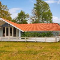Fotos del hotel: Three-Bedroom Holiday Home Ahornvej 07, Bøtø By