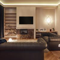 Two-Bedroom Apartment with Fireplace