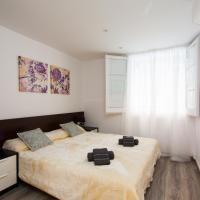 Three-Bedroom Apartment - Carrer Tordera