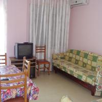 Hotel Pictures: First Line Apartment, Shkallnur