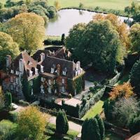 Hotel Pictures: Château Les Dryades Golf & Spa, Pouligny-Notre-Dame