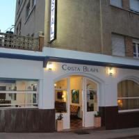 Hotel Pictures: Hostal Costa Blava, Portbou