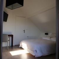 Hotel Pictures: Du Côté De Chez Jos, Colombes