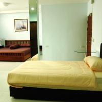 Standard Triple Room with Private Bathroom