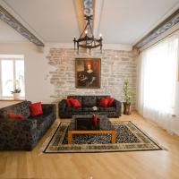 Deluxe Three-Bedroom Apartment with Sauna or Balcony